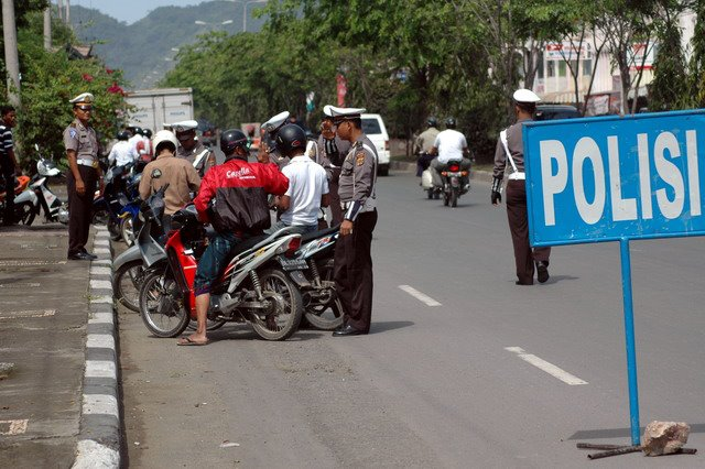HATI-HATI ... Jika anda ketemu Polisi razia SIM STNK